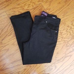 Gloria Vanderbilt 12p black jeans